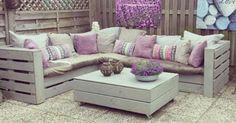 14 ideias criativas para transformar paletes em móveis e objetos de decoração | Pallet Couch, Diy Pallet and Pallets