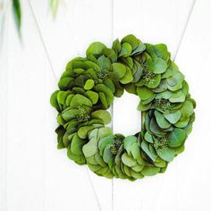 Inspire Bohemia: Holiday Wreaths: Organic and Traditional