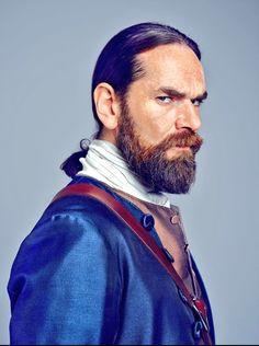 Outlander S2 Murtagh headshot. Duncan Lacroix.