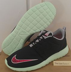 "Nike Rosherun FB ""Black/Pink Flash/Fresh Mint"""