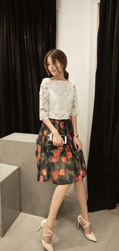 Sweet printed skirt and lace top set #flowerprinted #midiskirt #whitelace