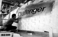 Rockwell International worker painting Challenger's name on the starboard side of her forward fuselage just prior to roll-out in × Space Shuttle Disasters, Rockwell International, Nasa Iss, Space Shuttle Challenger, Apollo Missions, Nasa History, Space And Astronomy, Nasa Space, Nasa Astronauts
