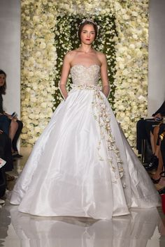 I'm Awesome – Reem Acra Fall 2015 Bridal Collection. www.theweddingnotebook.com