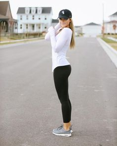 Best sport outfit for girls workout gear 52 ideas Legging Outfits, Yoga Outfits, Fitness Outfits, Fitness Fashion, Sport Outfits, Cute Outfits, Fashion Outfits, Fitness Wear, Daily Fashion