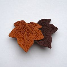 Ivy Leaf Brooch (Dark Brown) £6.00