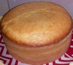 Pão de Ló Amanteigado 6 ovos; 2 xícaras (chá)(200ml) de açúcar; 3 xícaras (chá)de farinha de trigo; 1 xícara (chá)de leite; 2 colheres sopa) de margar... - Ro Oliveira - Google+ Food T, Good Food, Food And Drink, Yummy Food, Other Recipes, Sweet Recipes, Cake Recipes, Food Cakes, Brazillian Food