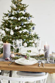 ✯ Fröhliche Weihnachten ✯ Auch für das Weihnachtsdinner sind unser Westwing Basics die perfekte Wahl . Schlichte Formen, hochwertige Materialien, höchste Qualität: Unsere Westwing Basic Kollektion ist die perfekte Basis an zeitlosen Essentials zu einem richtig guten Preis. So kommt Deine Weihnachtsdeko perfekt zur Geltung! // // Tischdeko Tisch Decken Weihnachten Christmas Ideen Deko Dekorieren DIY Advent Tannen Eukalyptus#Weihnachten #Christmas #Ideen #Deko #Advent #Tischdeko