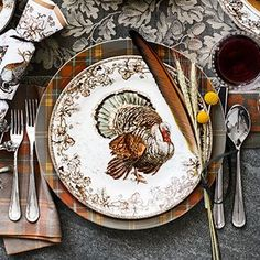 Williams Sonoma offers dinnerware and glassware for Thanksgiving entertaining. Find Thanksgiving serving dishes that add a festive touch to any table. Thanksgiving Dinner Plates, Thanksgiving Dinnerware, Christmas Dinnerware Sets, Thanksgiving Table Settings, Thanksgiving Tablescapes, Thanksgiving Decorations, Thanksgiving Recipes, Thanksgiving Blessings, Family Thanksgiving