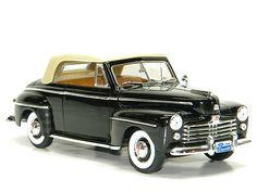 1948 Ford Convertible Sedan FORD SIGNATURE SERIES 1:18th Scale Metal Model Car