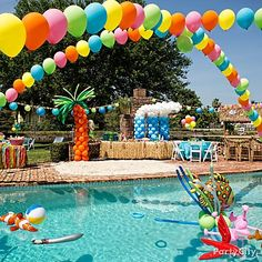 Pool Party Ideas DIY balloon rainbows turn your pool or patio into a party zone! Use balloon decorating strips - so easy.DIY balloon rainbows turn your pool or patio into a party zone! Use balloon decorating strips - so easy. Sommer Pool Party, Pool Party Kids, Pool Fun, Beach Party, Teenage Pool Party, Teen Pool Parties, Summer Pool, Summer Parties, Holiday Parties