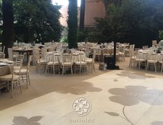 #Bariolés #evento #boda #tablesetting #tabledecor #sillas #DecoracionBodas #eventdecor #WeddingIdeas #tables #WeddingTrends #pistadebaile #dancefloor