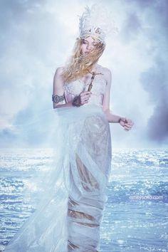 Fairytale fashion fantasy / karen cox.  ♔ Emily Soto