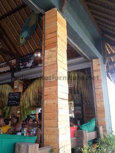 Surfer bar in Bali coated with pallet planks 2