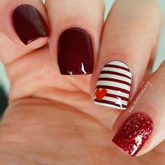 In search for some nail designs and some ideas for your nails? Here is our set of must-try coffin acrylic nails for fashionable women. Heart Nail Art, Heart Nails, Red Nail Art, Pink Nails, Red Gel Nails, Burgundy Nails, Ongles Roses Clairs, Valentine Nail Art, Happy Valentines Day