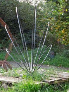 metal sculpture for home and garden commissions undertaken - Larger sculptures for sale Metal Yard Art, Metal Tree Wall Art, Scrap Metal Art, Metal Artwork, Garden Art, Garden Design, Metal Art Sculpture, Abstract Sculpture, Bronze Sculpture