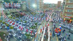 """Oruçlu Gönüller Tekkeköy'de Buluştu: Tekkeköy Belediyesi, İlçe Meydanı'nda kurduğu \""""Oruçlu Gönüller Tekkeköy'de Buluşuyor\"""" iftar…"""