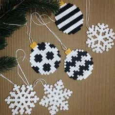 Christmas Ornament and Snowflake Ornament out of Perler Beads - DI . - Christmas Ornament and Snowflake Ornament out of Perler Beads – DIY Advent and Christmas – - Hama Beads Design, Diy Perler Beads, Hama Beads Patterns, Perler Bead Art, Beading Patterns, Christmas Perler Beads, Beaded Christmas Ornaments, Christmas Diy, White Christmas