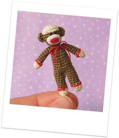 Muffa's  PDF Pattern to Crochet a Thread by MuffaMiniatures
