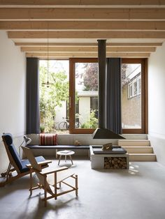 Image 2 of 21 from gallery of Wenslauer House / 31/44 Architects. Photograph by Kasia Gatkowska