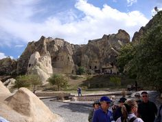 Essas belas e estranhas formações de lavras ou tufa foram feitas pelas erupções do Monte Erciyas e da ação da erosão ao longo dos séculos.