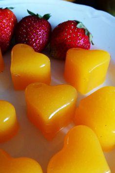 Żelki z mango - naturalne, domowe i zdrowe. Healthy Sweets, Healthy Snacks, Party Treats, Food Hacks, Cake Recipes, Mango, Food Porn, Food And Drink, Stuffed Peppers