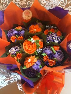 Make your spring and summer cupcakes amaze friends and family. Just so beautifully to represent the seasonal feeling of joy, peace and love. Cupcake Flower Bouquets, Floral Cupcakes, Floral Cake, Fun Cupcakes, Summer Cupcakes, Flower Cakes, White Wedding Cakes, Wedding Cakes With Flowers, Purple Wedding