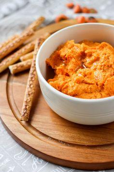 Przepis na pastę z ciecierzycy i pieczonej marchewki Curry, Lunch, Ethnic Recipes, Food, Curries, Eat Lunch, Essen, Meals, Lunches