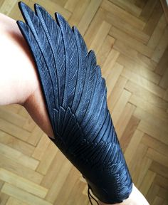 Don't know what to call this beautiful arm-thing, but I would wear this in public