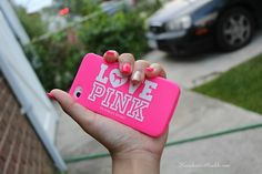 I have this same phone case and I love it by it got stretched out from putting it on and off :(