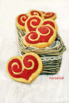 Mürbeteig Rezept für Herz-Kekse. Plätzchen für Weihnachten!