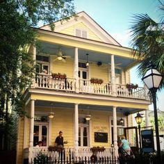 oogan's Porch at 72 Queen Street in Charleston's historic district is so haunted that the local police have reportedly grown accustomed to getting calls about a distressed woman wearing a long black dress. They never find her though, because she's a ghost.