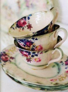 vintage tea cups and high tea Vintage China, Vintage Dishes, Vintage Teacups, Vintage Floral, Vintage Plates, Vintage Colors, Rosen Tee, Coffee Cups, Tea Cups