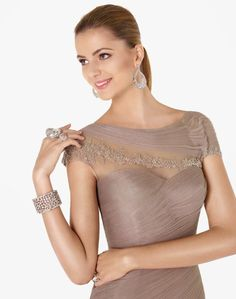Las que me seguís habitualmente, recordaréis que la semana pasada os hablé en el blog de la nueva colección de vestidos de novia económicos de Pronovias en este post.