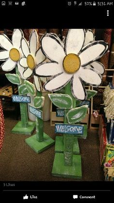 Cite flower wood craft for outside. Tall flower craft. Rustic