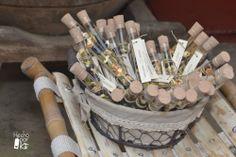 Aderezo de especias para gin-tonic. Un original, sabroso y aromático detalle para los invitados de boda. Con lo difícil que es pensar en regalos para hombres y lo sencillo y divertido que ha sido montar estos bonitos detalles.
