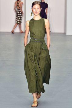Jasper Conran Spring/Summer 2017 Ready To Wear Collection British Vogue Summer Fashion Trends, Fashion 2017, Spring Summer Fashion, Spring Outfits, Runway Fashion, Fashion Show, Fashion Dresses, Fashion News, Vogue Fashion
