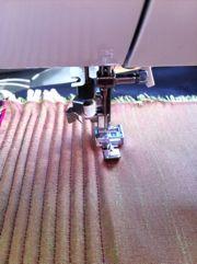 How to make a corset with cording Tolle Technik auch für stabile, verstärkte Taschenteile.