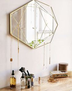 The best of mirror art and design in a selection curated by Boca do Lobo to inspire interior designers looking to finish their projects. Discover exquisite mirrors for your Living Room, Dining Room, Hallway or Bathroom. Mirrors Urban Outfitters, Gold Home Accessories, Bedroom Accessories, Clothing Accessories, Mirror With Shelf, Mirror Shelves, Wall Organization, Deco Design, Design Trends
