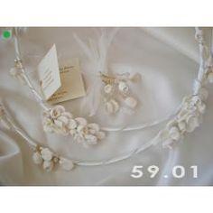 Στέφανα Vintage | 123-mpomponieres.gr Brooch, Vintage, Sneakers, Wedding, Jewelry, Fashion, Tennis, Valentines Day Weddings, Moda