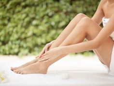 Are you looking for a detoxifying foot spa that can help you increase your energy levels while improving your body's natural ability to detoxify itself daily? If you answered yes, the aqua ion detox foot spa is for you. Ingrown Hair Bump, Ingrown Hair Removal, Prevent Ingrown Hairs, Best Beauty Tips, Health And Beauty Tips, Vaseline, Edema, Circulation Sanguine, Acne Breakout