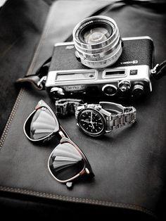 Accesorios #Caballero #inspiración #Hombre #Moda #Diseño #Color #Accesorios #Lentes #Reloj #Cámara