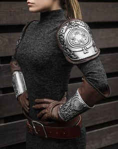 Syanna cosplay armor set from The Witcher Blood and Wine Video Game Addon, Sylvia Anna outfit armor - movable The Witcher, Armadura Steampunk, Armor Tattoo, Norse Tattoo, Viking Tattoos, Cosplay Events, Mode Steampunk, Armor Clothing, Armadura Medieval