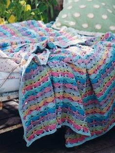 "Free pattern for ""Picnic Blanket""! After register though. Stunning heirloom blanket.  #crochetafghans"