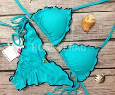 Biquíni Ripple empina bumbum Verde Água. Possui forro duplo, acabamento em fru-fru preto e bojo removível. Acompanha acessórios banhados a ouro e tecido com proteção dos raios UVA e UVB. Hot Bikini, Bikini Girls, Bikini Set, Beachwear Fashion, Beachwear For Women, Cute Swimsuits, Cute Bikinis, Bikini 2017, Bikini Swimwear