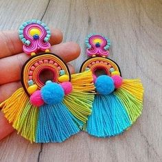 Trendy and Stylish Home-Made Designs of Earrings for All Beautiful to-Be-Brides Bead Embroidery Jewelry, Soutache Jewelry, Textile Jewelry, Fabric Jewelry, Clay Jewelry, Beaded Embroidery, Jewellery, How To Make Earrings, Diy Earrings