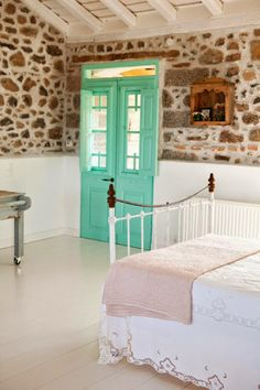 House With Fantastic Colors On Lesvos and Greece Decoration Turbulence Deco, Greek House, Charming House, Kare Design, Scandinavian Home, Humble Abode, My New Room, Greek Islands, Feng Shui