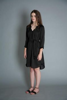 take care clothing spring black silky shirt dress Funky Dresses, Dresses For Work, Dress Skirt, Shirt Dress, Well Dressed, Summer Collection, Spring Outfits, Fashion Forward, Fashion Beauty