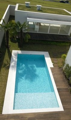 Pool and green roof, Ariane Labre Architect Backyard Pool Landscaping, Backyard Pool Designs, Small Backyard Pools, Small Pools, Swimming Pools Backyard, Swimming Pool Designs, Pool Bar, My Pool, Kidney Shaped Pool