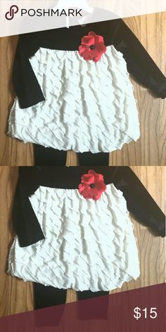 Adorable Toddler's 2pc Blk/Wte Top/leggings Gorgeous black and white top has pretty red rose in center, and matching black leggings! Matching Sets