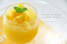 Refrescante sorbete de naranja que acompañamos con fruta fresca Thermomix